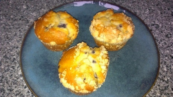 Healthy-ish Blueberry Muffins – Eliza Gayle